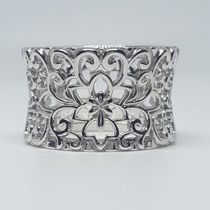 Jewelry - Sterling Silver Flower & Vines Eternity Ring